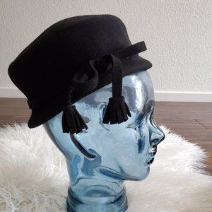 vintage 1960s black hat with a bow